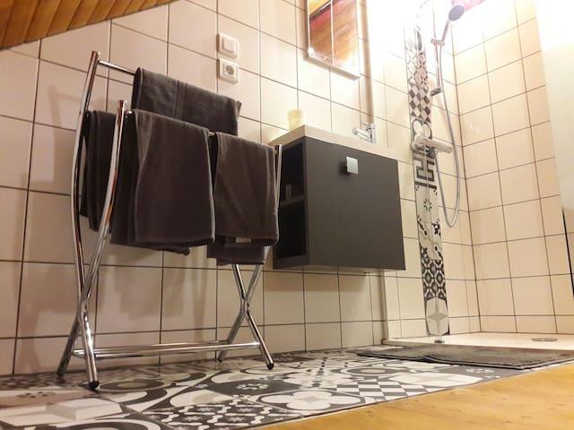 Studio rénové à 2 pas de STRASBOURG et du Zénith. - Oberschaeffolsheim - อพาร์ทเมนท์