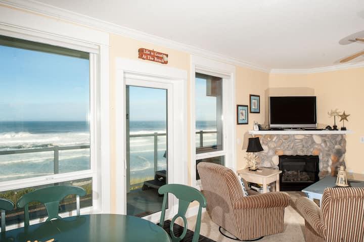 Wave Watchers - Corner Oceanfront Condo, Hot Tub!