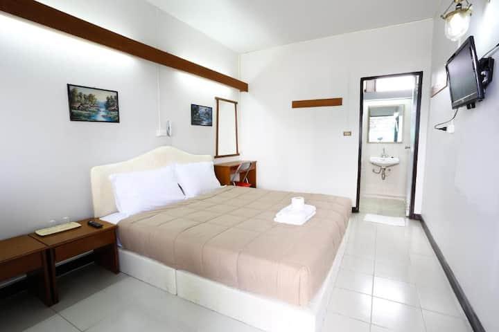 Nice Standard Double Room at Chomdoi House Hotel