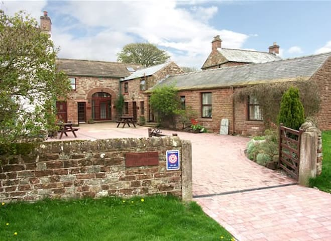 CHURCH COURT COTTAGES - A COSY COUNTRYSIDE RETREAT - Gamblesby - Wohnung