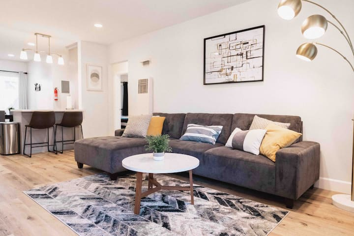 ✹Modern Apt in Dtwn Fullerton ✹DISCOUNTED RATE ✹