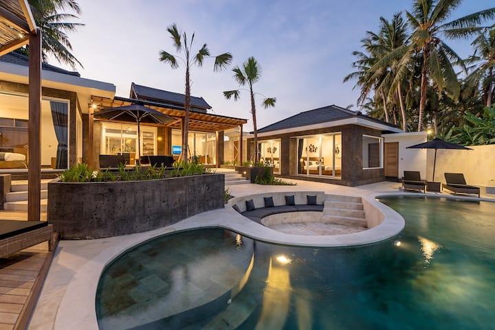 -70%- Elegant & luxurious 3 BR villa rice-fields pano