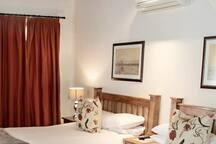 Deluxe 4 Sleeper Room (2 Double Beds) photo 5