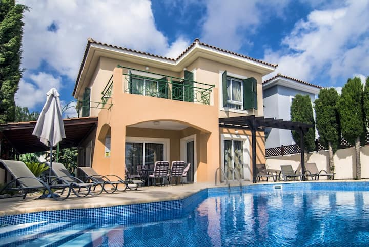 Villa Heaven for Perfect Holiday: Super location !