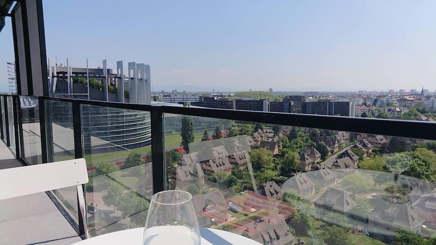 Appartement neuf vue Cathédrale et Parlement