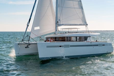 Rent the New 450 S Sport Captained - Quarteira - Boat