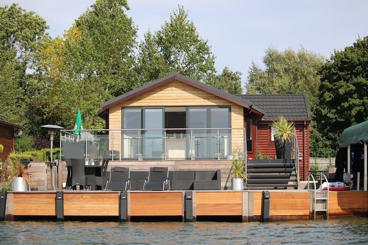The Boathouse Lodge