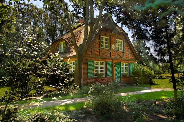 Ferienhaus Idylla, reedgedeckt - Essel - Hus
