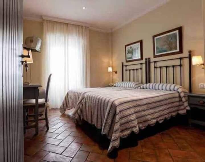 Hotel La Muralla - Habitación Individual con vistas al jardín