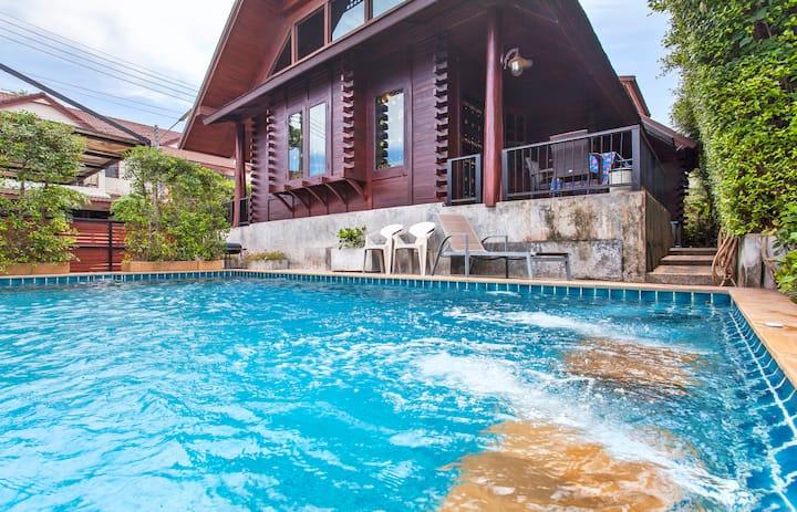 Seaview  Log Cabin Pool Villa 2Br+1 Garret ,Rawai.
