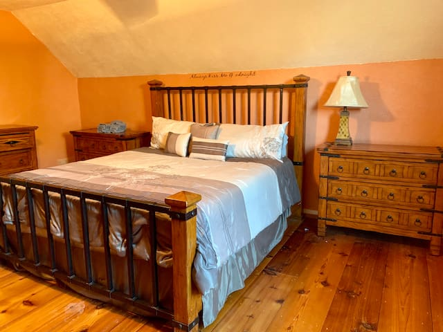 The Bear Room at King Mountain Ranch Cabin