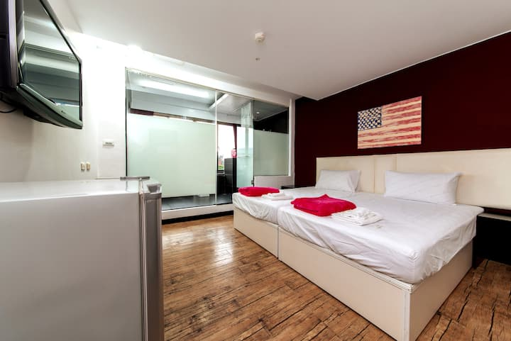 ♬ SWEET Kaohsiung Apartment W love river view, O2