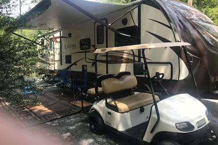 Golf cart/camper combo plus free delivery