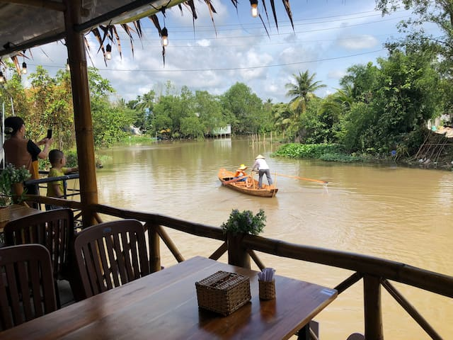 Riverside authentic family room homestay Can Tho