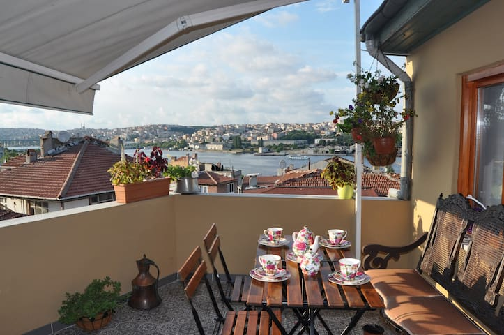 Two Cosy Private Bedrooms&Free Breakfast&Wi-Fi - İstanbul - House
