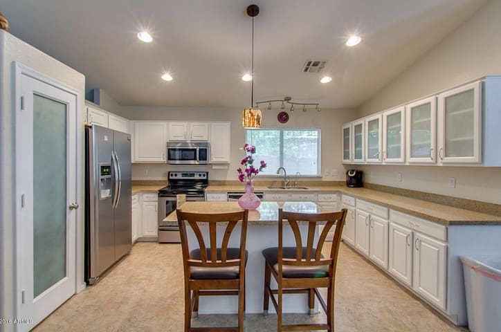 Perfect North Phoenix Vacation Home Close to All