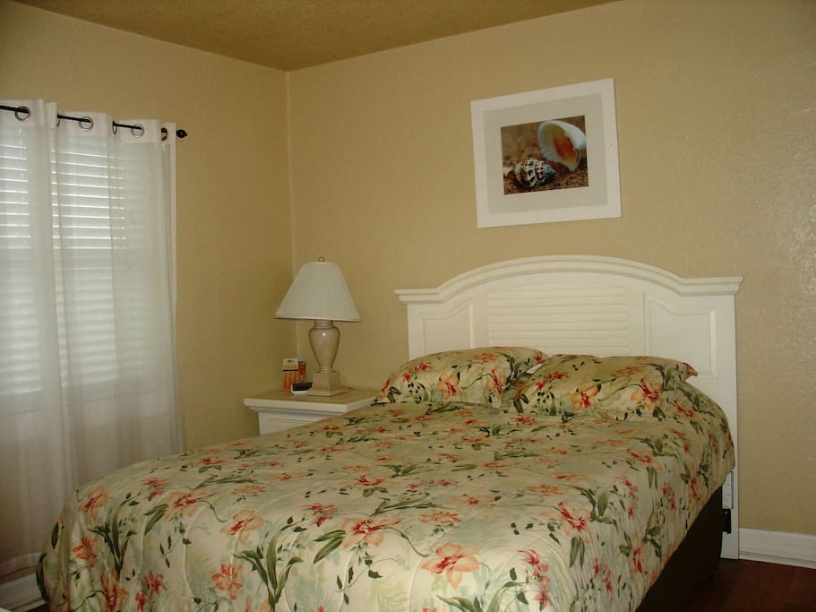 Perfect location private bedroom full kitchen ii for Boutique hotel 1905