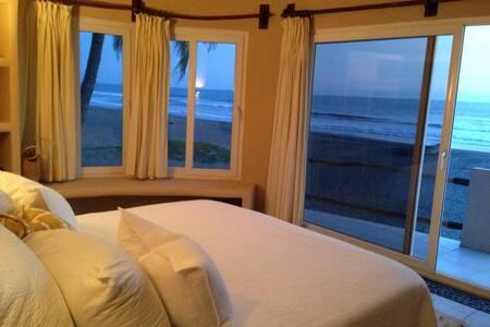 bungalow en playa costa azul