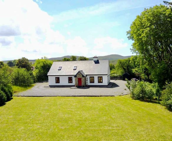 Red Deer Cottage in a stunning location free wifi