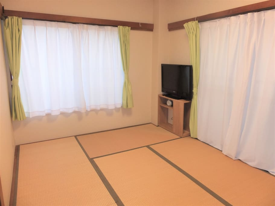 BED ROOM WITH TATAMI MAT