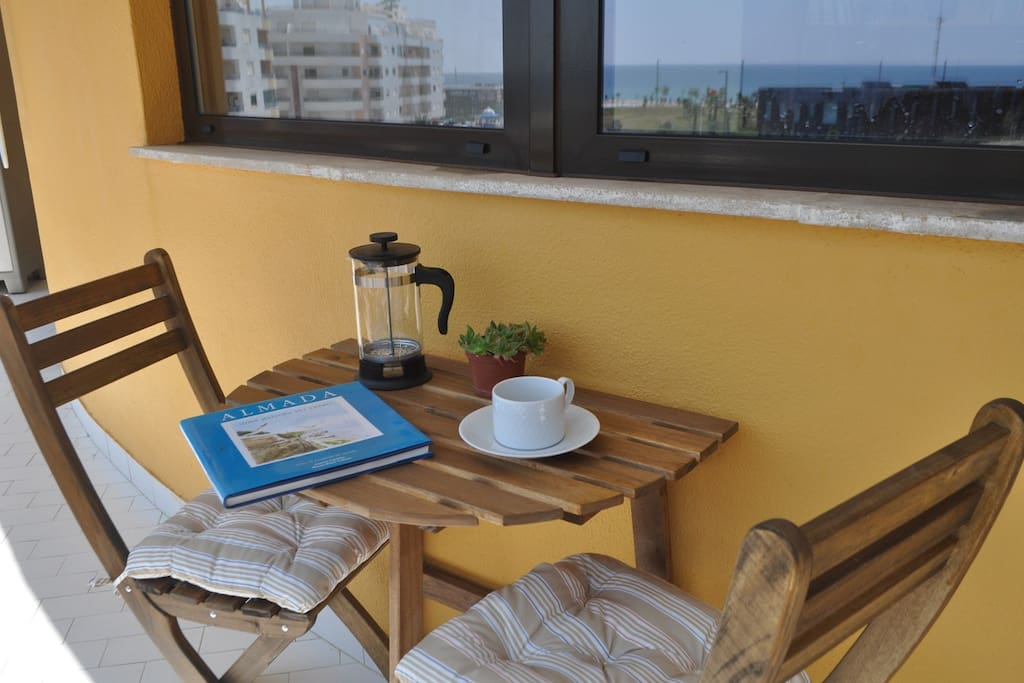 Recanto na varanda para uma pausa / balcony corner to relax