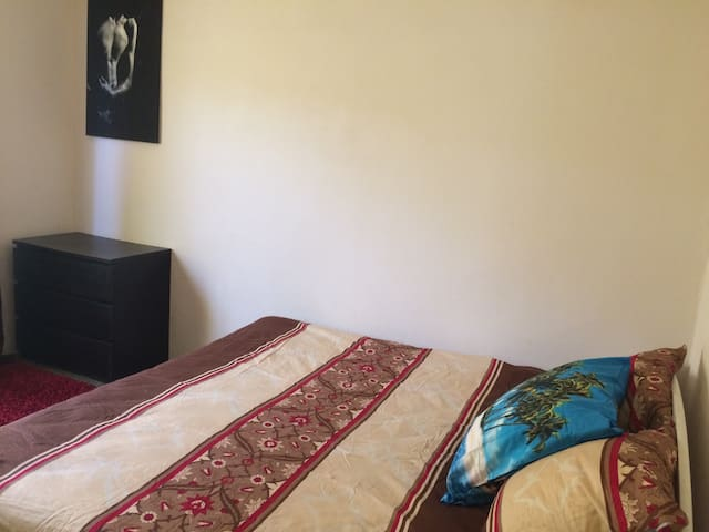 "Two bed room apartment - ""Sunny Beach""  (3 people) - Brusubi - Wohnung"