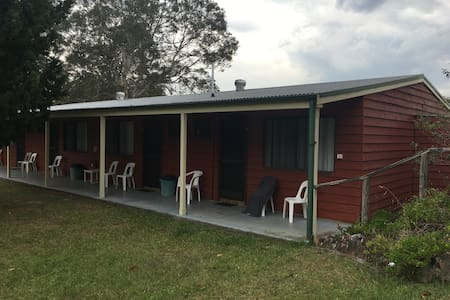 Sleeps 32 people, Cabins Farmstay - Minimbah