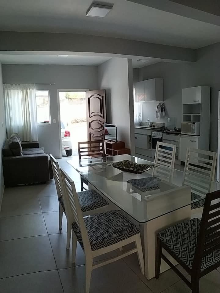 Apartamento (casa) 3 dormitórios - UFSC Carvoeira