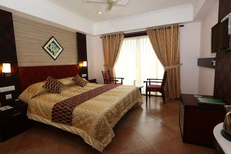 Pearl Royal-Deluxe room 2,with all essentials
