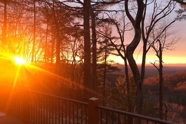 2BR Cottage in Blowing Rock Area-Mountain Views! - Lenoir - Huis