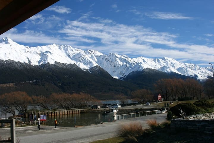 Glenorchy Lake Front House