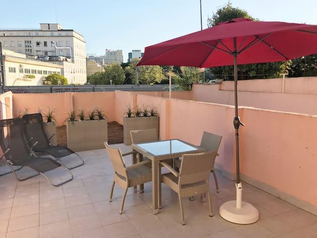 Lisboa - Sete Rios - 5 mt  jardim Zoo. c/ terraço