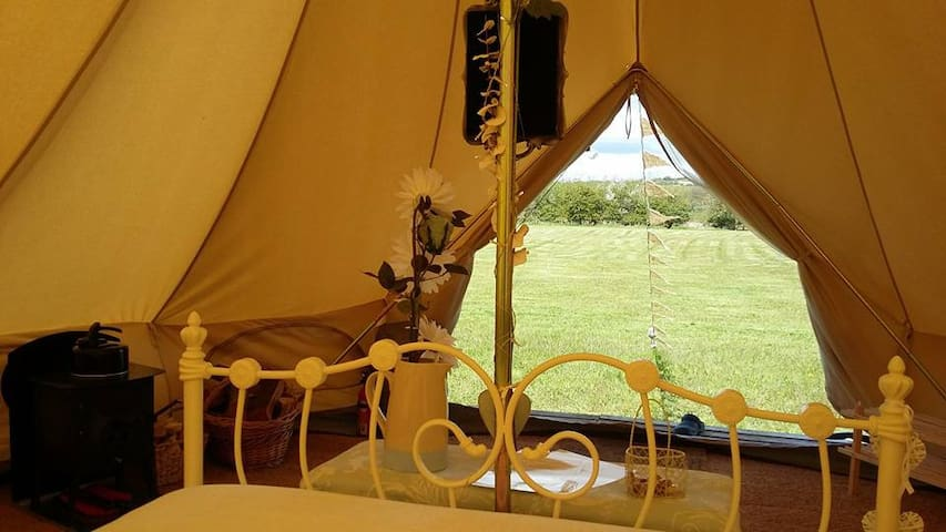 Luxury Glamping - Mad Hatter - Oxford