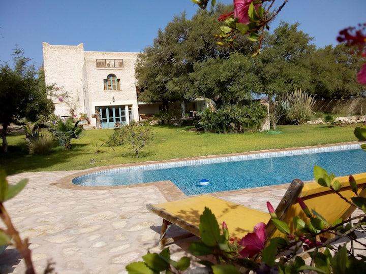 maison de charme à la campagne , piscine privée