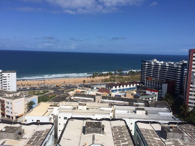 Apartamento acogedor con exuberante vista al mar.