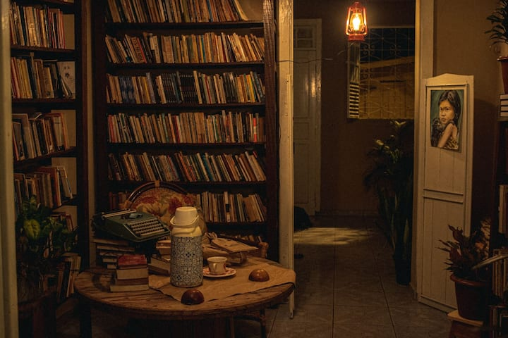 Lar-biblioteca- livraria( Casa inteira)