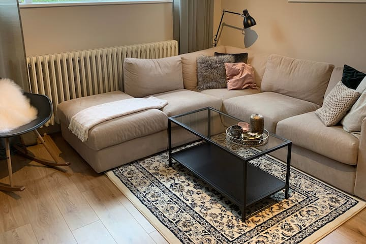 Central and cozy apartment - Free parking and wifi
