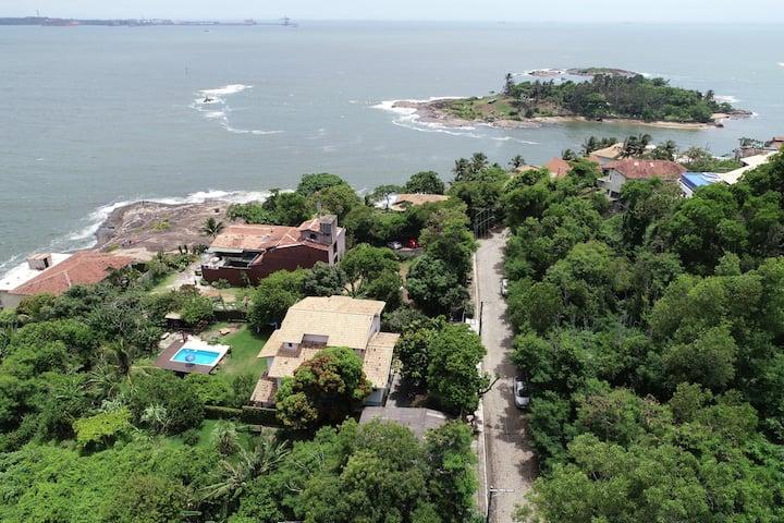 Casa com piscina na Praia da Costa