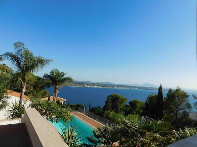 Villa Maria ( intera Villa )