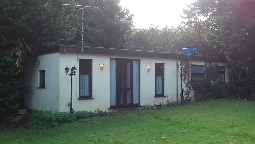 Detached fully self-contained one bedroomed annexe