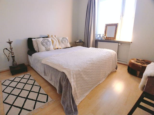 NICE & TIDY room close to centre