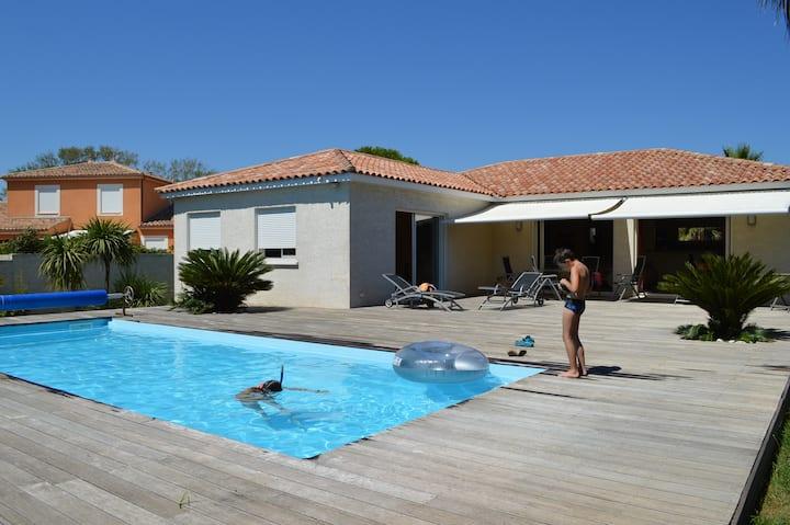 Sonnige Villa 150 m vom Strand entfernt