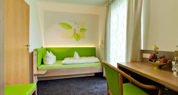 Einzelzimmer 103