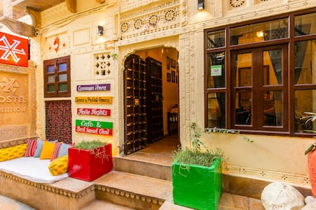 Deluxe Private Room in Jaisalmer