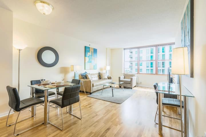 Private 1BR  Full Kitchen & Washer/D  Close to NYC