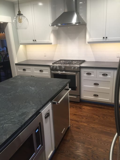 Newly remodeled kitchen (May 2016) with brand new appliances--simply beautiful!