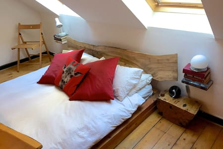 King-size room 3 minutes from the Old Town - Edimburg - Pis