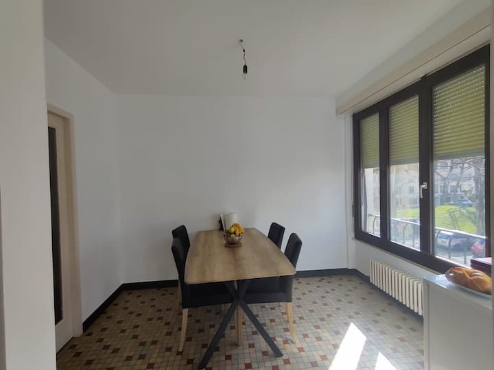 Large bright and spacious Bedroom ! fully equipped