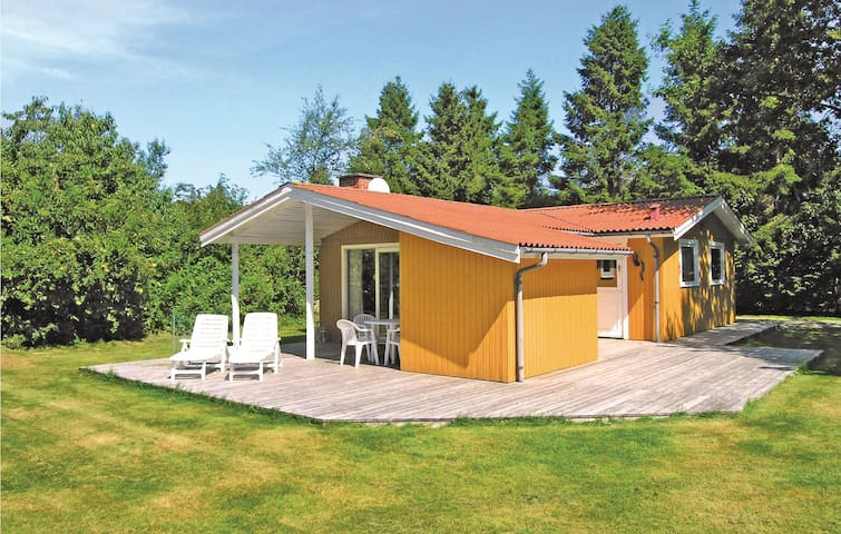 Holiday cottage with 3 bedrooms on 73m² in Nexø
