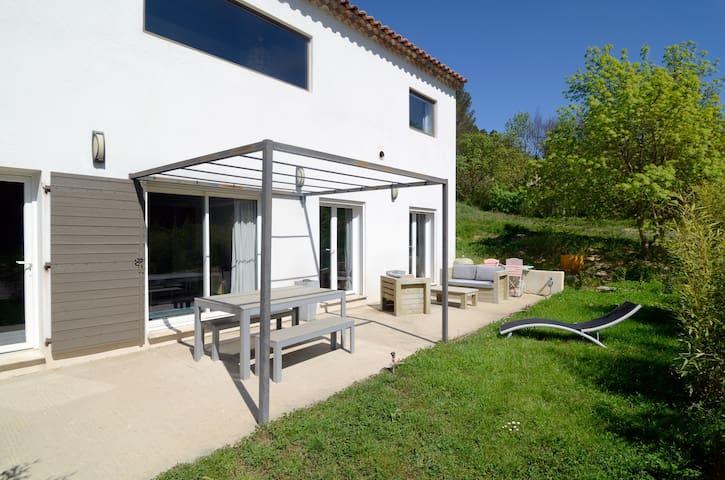 Charmant logement calme et moderne